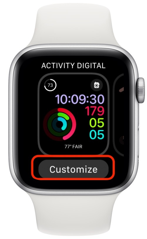 Apple Watch screen with the customize button highlighted