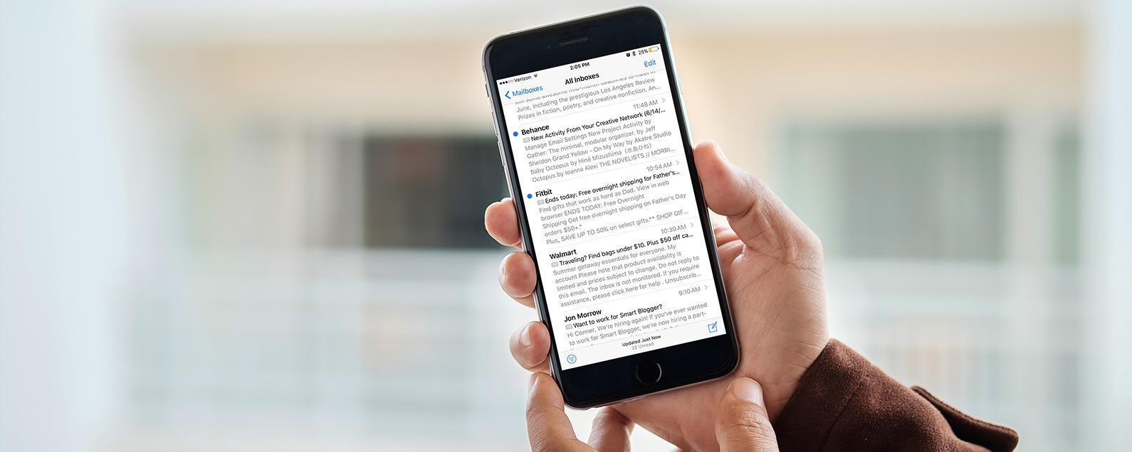 How to Change How Many Lines of an Email Are Previewed in the Mail App on iPhone