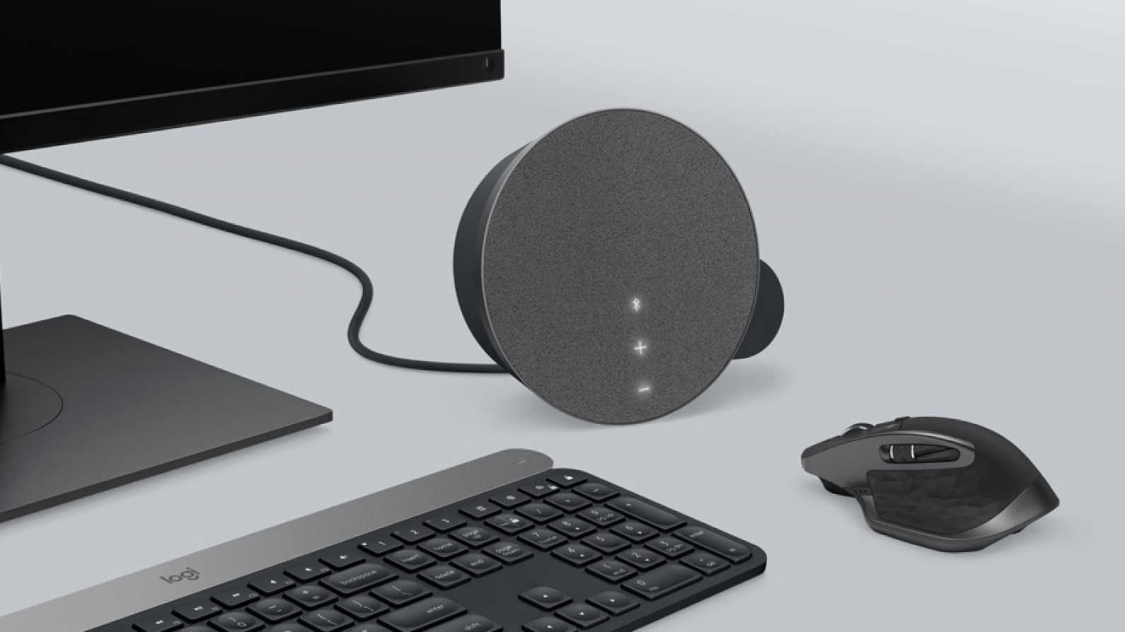 Plug the Logitech MX Sound Speakers into a Mac While It's Paired to