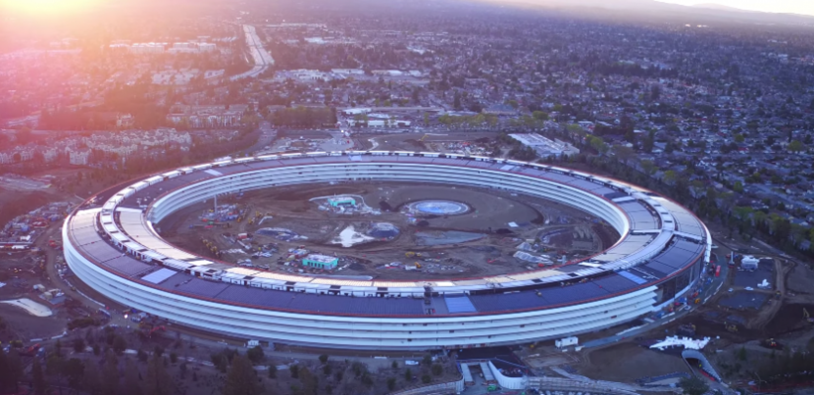 Meet Apple Park: The 175-Acre Apple Campus with a Spaceship