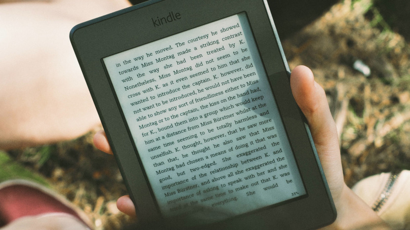 How to Share Kindle Books with Your Friends and Family When You Don't Have Amazon Prime