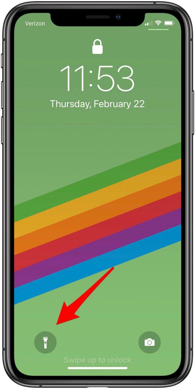turn on flashlight iphone x lock screen
