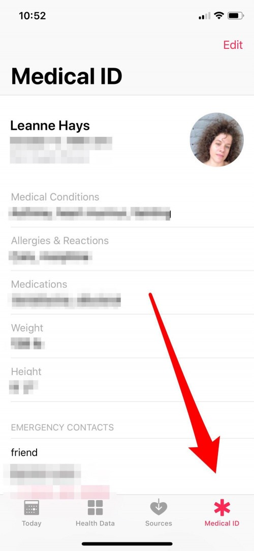 how to add an emergency medical card to your lock screen on iphone