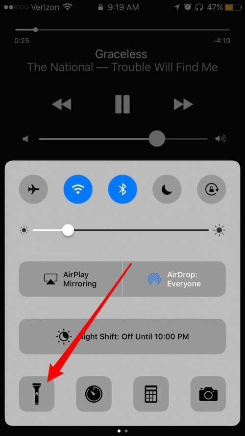 how to turn off flashlight on iphone how to turn your iphone flashlight on amp updated for 20389