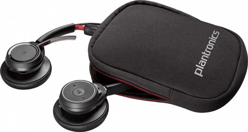 Voyager Focus UC: Listen to Music without Missing a Call