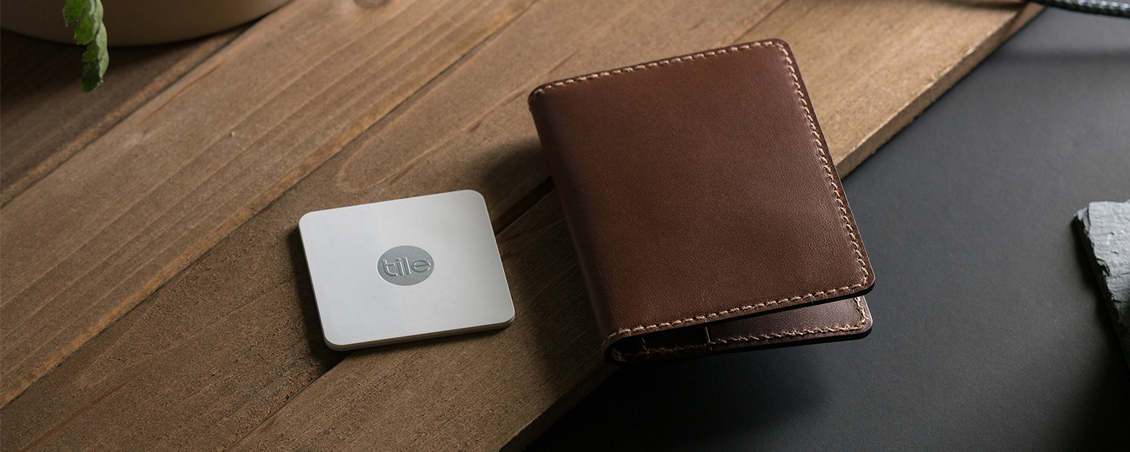 Review Compact Quality Leather Wallet With Tile Tracker